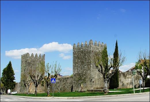 9.Trancoso -  castelo medieval - torres visto pelo exterior