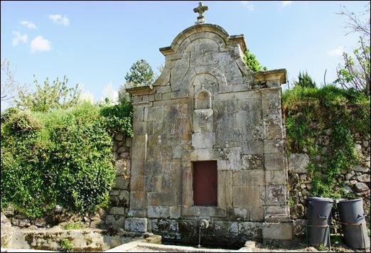 Linhares - fonte de São Caetano