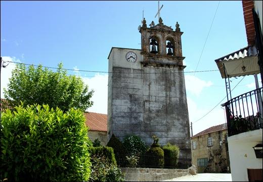 Glória Ishizaka - Vila do Touro -  torre sineira
