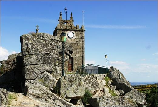 Mêda - Glória Ishizaka - torre do relógio 1