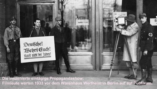 Deutsche! Wehrt Euch! Kauft nicht bei Juden!