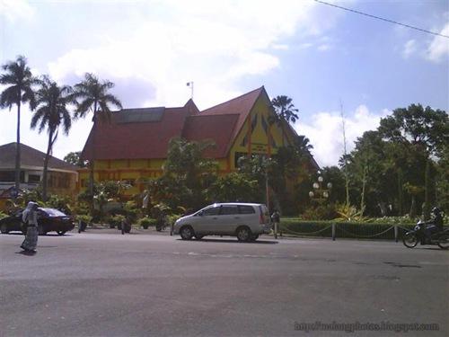 Malang Public Library 2
