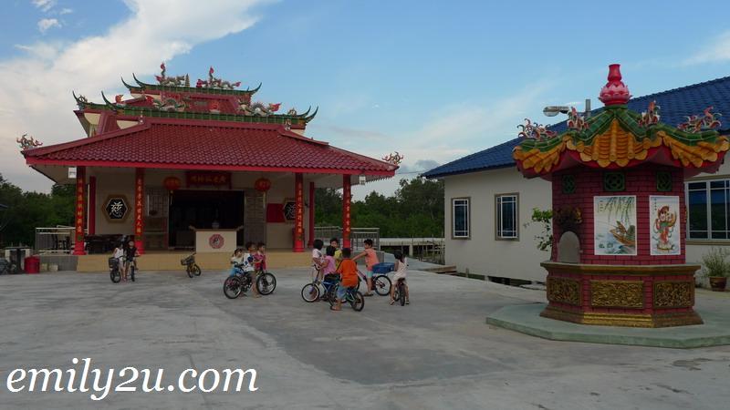Kukup Chinese temple