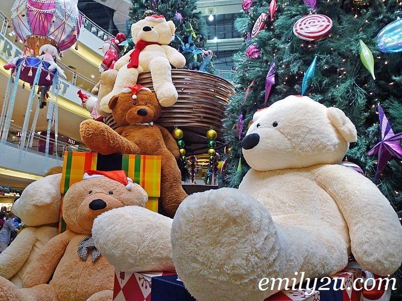 giant bears at Midvalley Megamall Kuala Lumpur