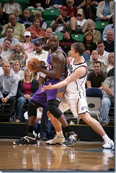 Oct 9 2008 [Melissa Majchrzak NBAE Getty] Fes defends Shaq