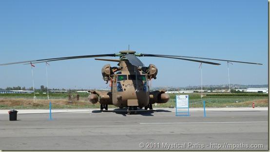 2011-05-10 Grandpa Eli Akiva Raizel Reuven - IDF Air Base Show 083