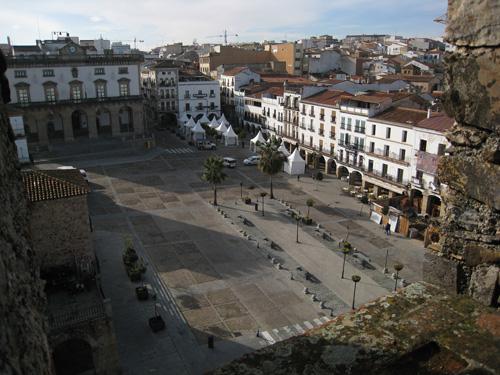 caceres_plaza-mayor..hU2UdH1Rlo9o.jpg