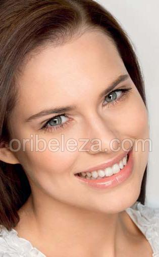 Gama Essentials com Extractos Amor-Perfeito da Oriflame