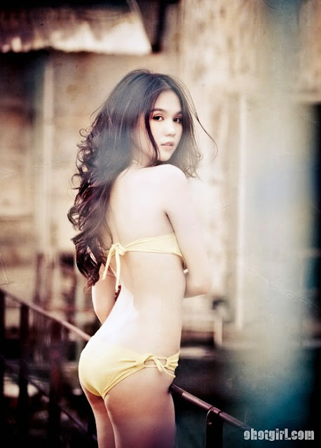 Ngoc Trinh Bikini 2