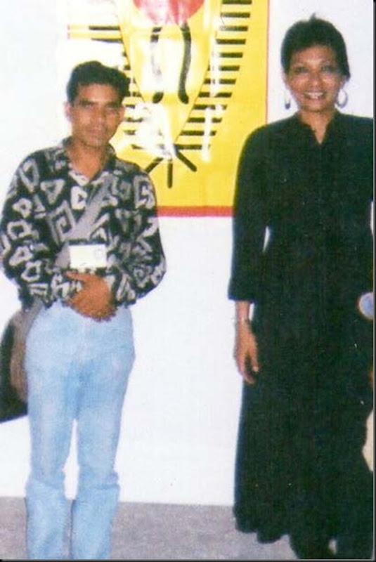 GULSHAN ARt photo with artist (5)