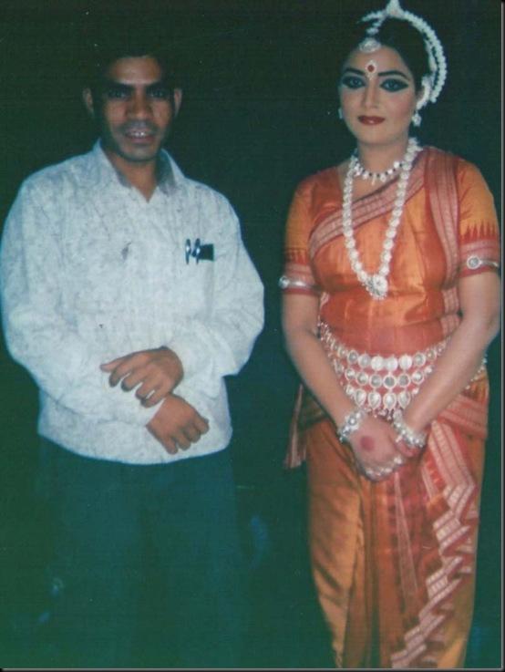 GULSHAN ARt photo with artist (6)