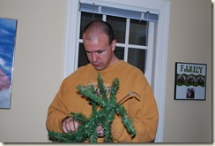 putting up christmas tree (5)