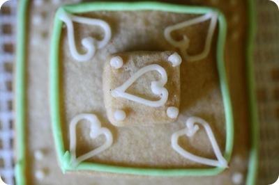 stackedweddingcookies01