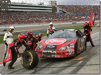 2010 Las Vegas NNS Kevin Harvick pit stop