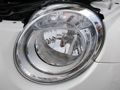 headlights featured in the Fiat 500 are of the H7 type. The headlight