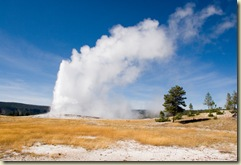 yellowstone-old-faithful-wyyel28