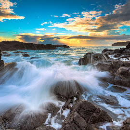 Morning Wave by Surya Fajri - Landscapes Waterscapes ( canon, kiama, cathedralrocks, australia, nsw, sunrise )