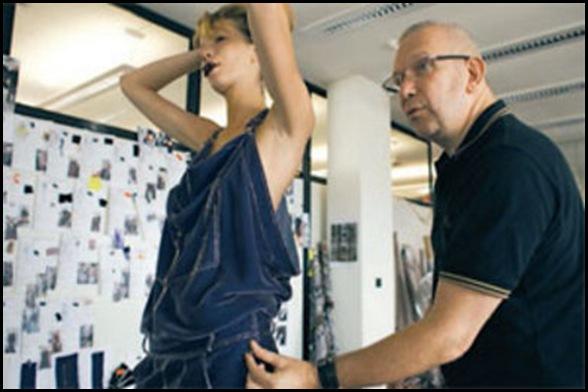 Jean-Paul-Gaultier-finalise-ses-creations-inspirees-par-le-7e-art--Gilles-Basignac-