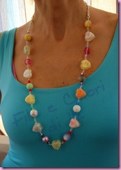 collana-RESINA-HEART&CANDY-indossata