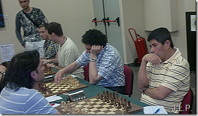 Jaime Casas con Granda en primer plano contra St. Casablanca