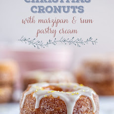 Christmas Cronuts with marzipan pastry cream