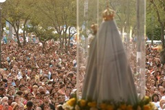 Data: 16/04/2007 - ES - Vila Velha - Multidão de fiéis na missa de encerramento da Festa da Penha - Editoria: Cidade - Foto: Edson Chagas - GZ