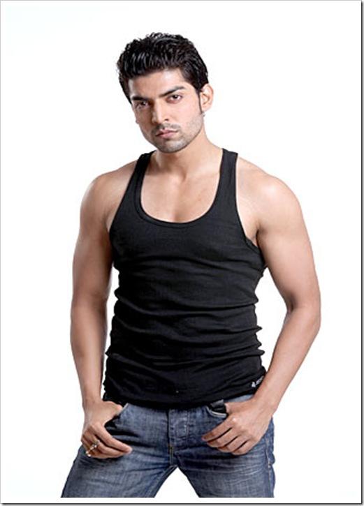gurmeet-choudhary-shirtless pics