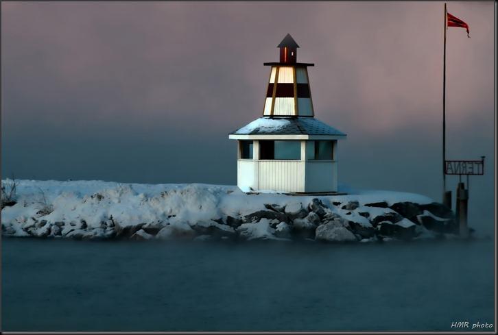 Hytte ved sjøen2