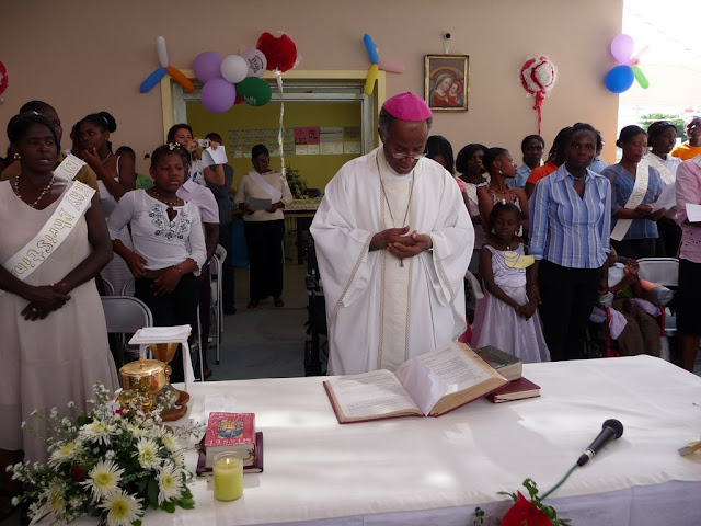 Archbishop Miot Celebrates Mass