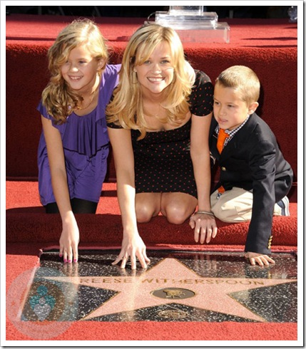 Reese-Witherspoon-with-kids-Ava-and-Deacon-2