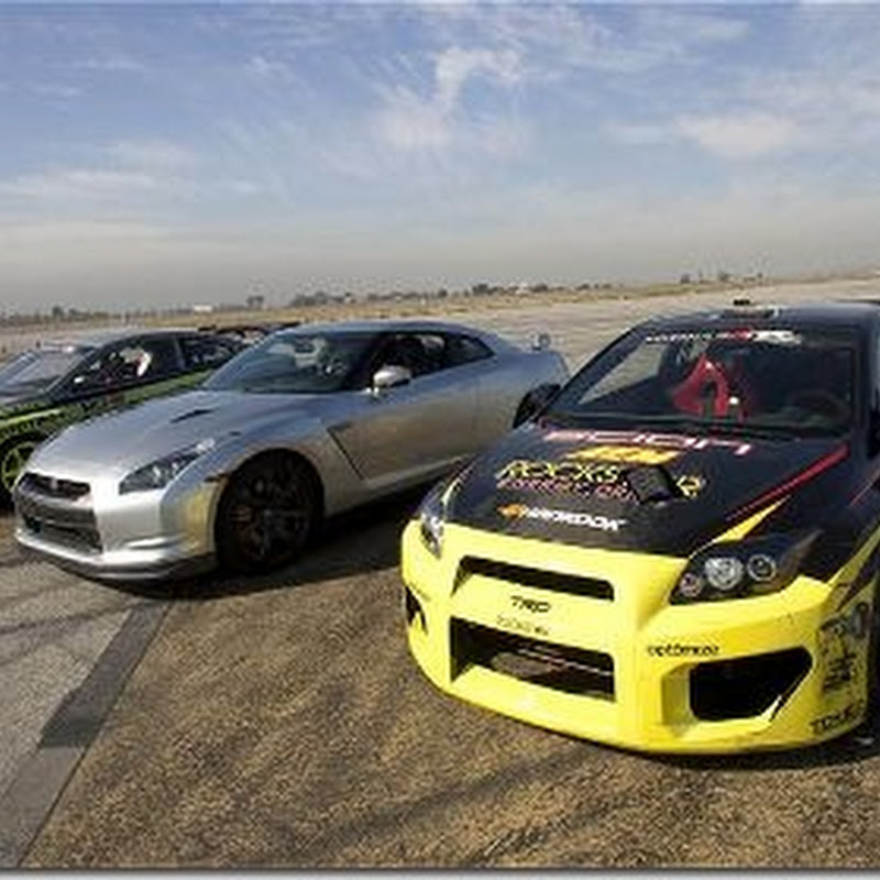 Nissan GT-R vs Drift Scion tC's