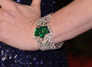 Amy Adams emerald bracelet at Oscars 2011