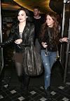 Demi Lovato y Miley Cyrus CENAN con Liam Demi-lovato-miley-cyrus-jerry-deli-01