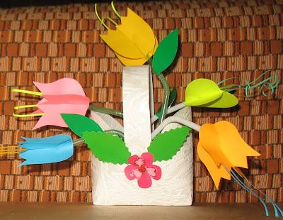 Цветы из бумаги и трубочек от сока