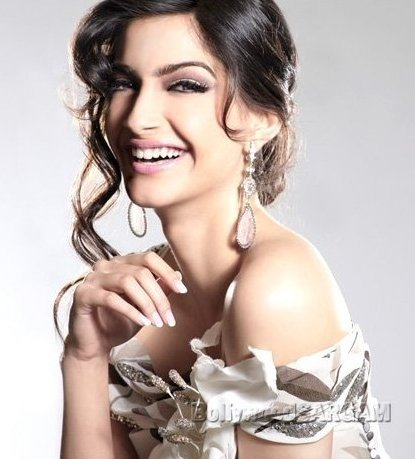 Photo Gallery: Bollywood Hot Actress Sonam Kapoor