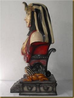 Patung  Cleopatra - kiri
