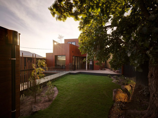 wooden box home design courtyard