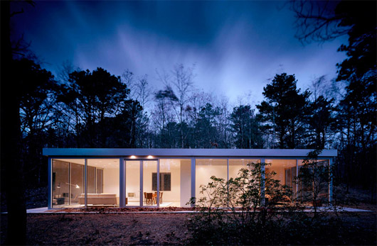 Simple And Elegant Guesthouse Design Glass Wall Architecture