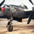 Pin-up em Avião da Segunda Guerra