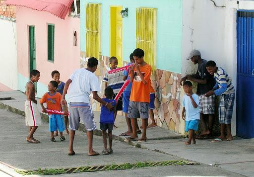 Niños jugando en Chirimena Miranda Venezuela