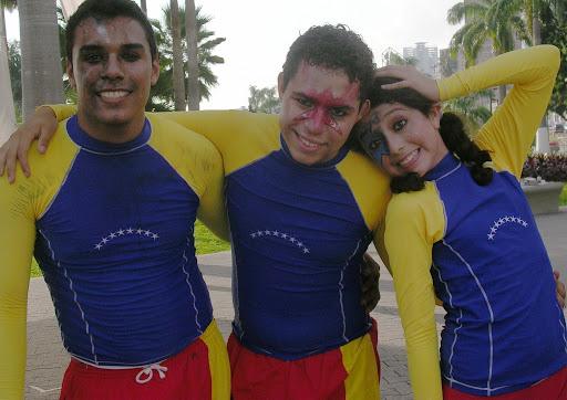 Actores y actriz (Plaza Venezuela, Caracas, Venezuela)