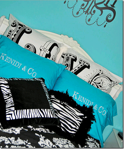 What is it about black & white zebra print with turquoise that's so hot?