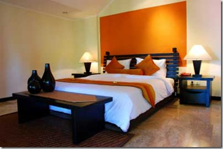 Modern-bed-with-orange-feat