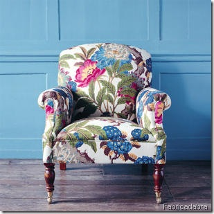chair-covered-in-english-chintz fabricadabra