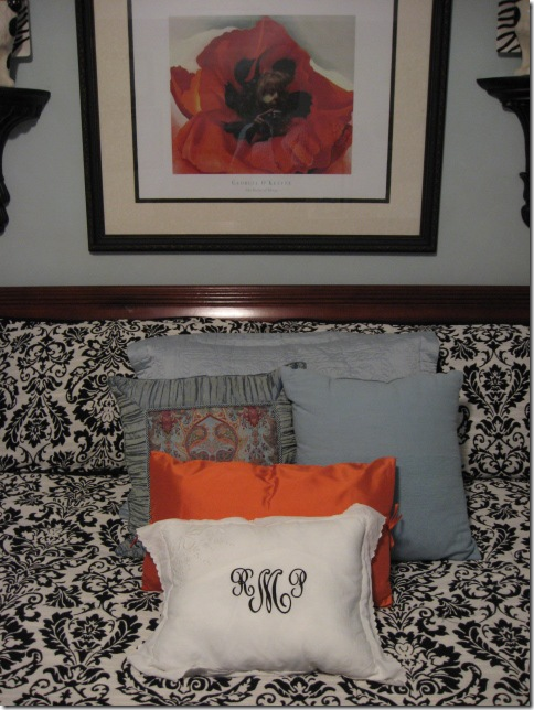 Orange pillow2