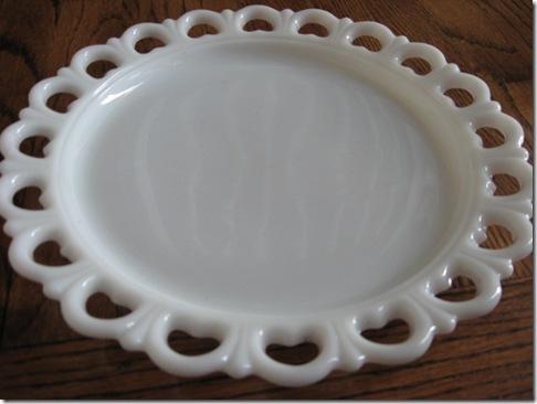 Milkglass plate