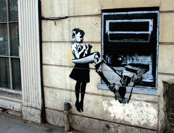 http://lh5.ggpht.com/_9F9_RUESS2E/SsXf1QX-L0I/AAAAAAAABSA/bUBulJcKcxE/s800/banksy-graffiti-street-art-cashpoint-girl.jpg
