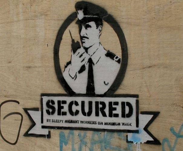 http://lh5.ggpht.com/_9F9_RUESS2E/SsXlXy54tyI/AAAAAAAABSg/KuOkcAPemP0/s800/banksy-graffiti-street-art-secured.jpg