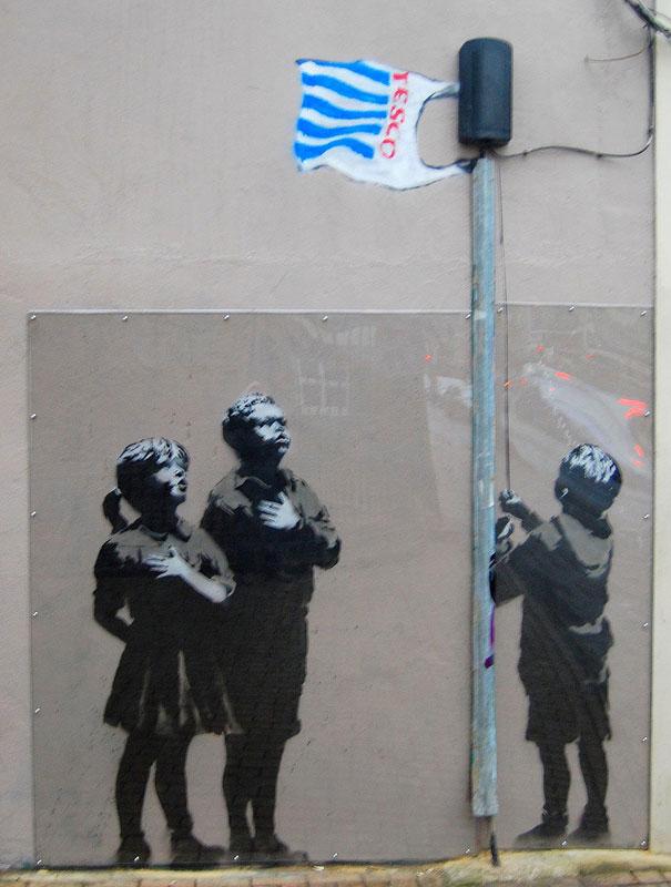 http://lh5.ggpht.com/_9F9_RUESS2E/SsYXsRVpLoI/AAAAAAAABS8/XAVIp0rThlw/s800/banksy-graffiti-street-art-tesco.jpg