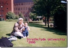 Ummi-and-Nurul-depan-Strathclyde-Universitys-Library